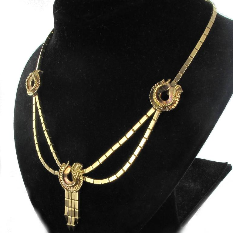 1940s French Retro 18 Karat Yellow Gold Tassel Necklace  For Sale 5
