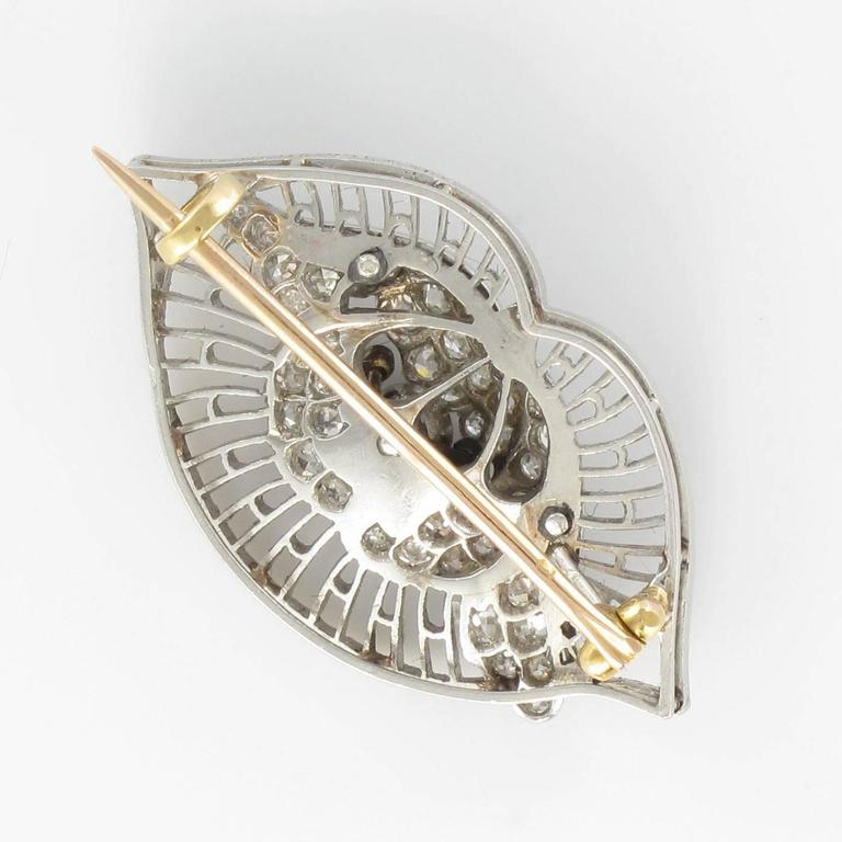 1930s Boucheron Diamond Platinum Brooch In Excellent Condition For Sale In Poitiers, FR