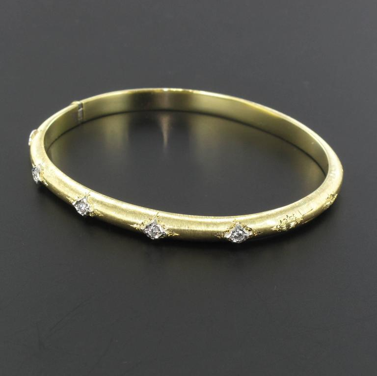 Brushed Gold Diamond Bangle Bracelet  In New Condition For Sale In Poitiers, FR