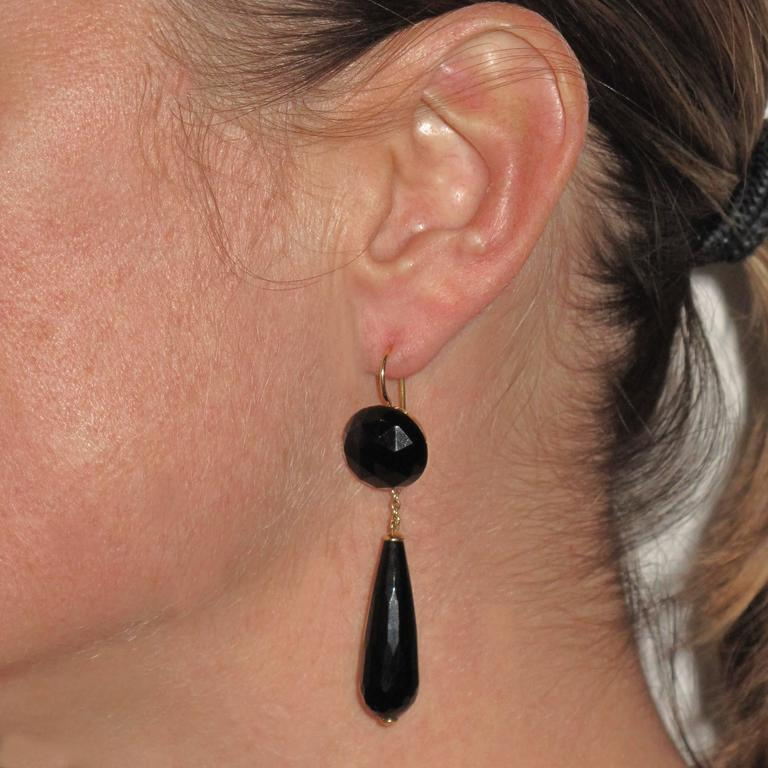 Onyx Gold Drop Earrings  4