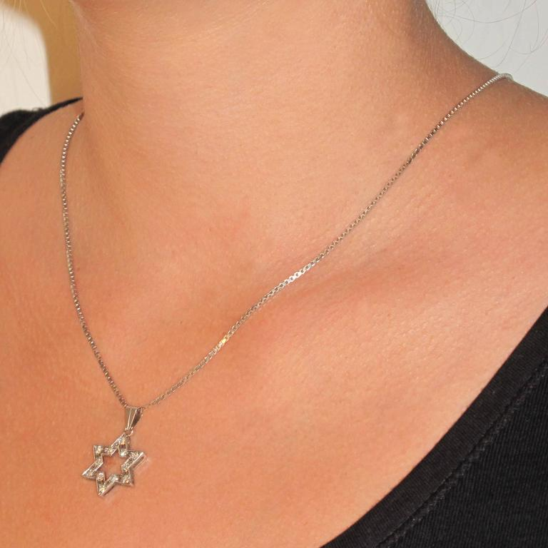 Diamond Gold Star Pendant with Chain  3