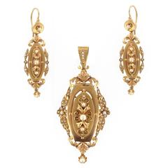 French Napoleon III Fine Pearl Gold Dangle Earrings and Pendant Parure