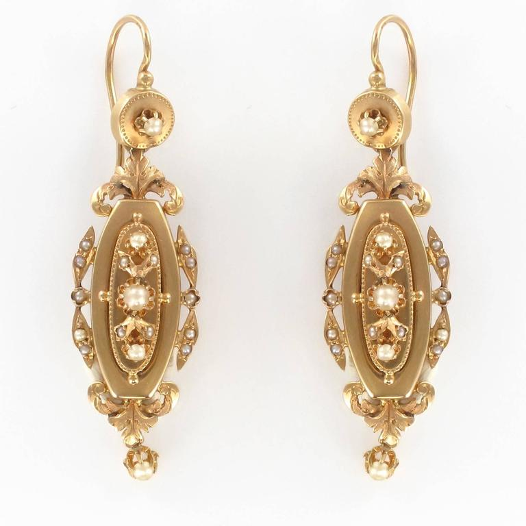 French Napoleon III Fine Pearl Gold Dangle Earrings and Pendant Parure  5
