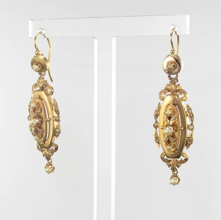 French Napoleon III Fine Pearl Gold Dangle Earrings and Pendant Parure  For Sale 9
