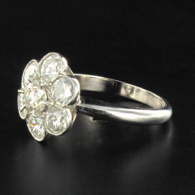 Contemporary Diamond Gold Cluster Ring For Sale 1