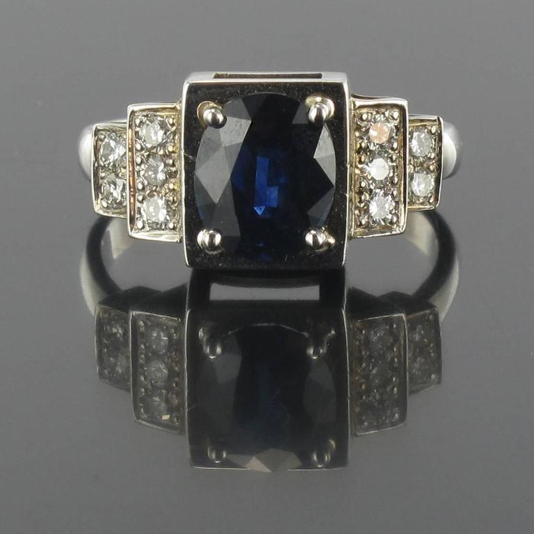 Women's Contemporary Sapphire Diamond Gold Ring For Sale