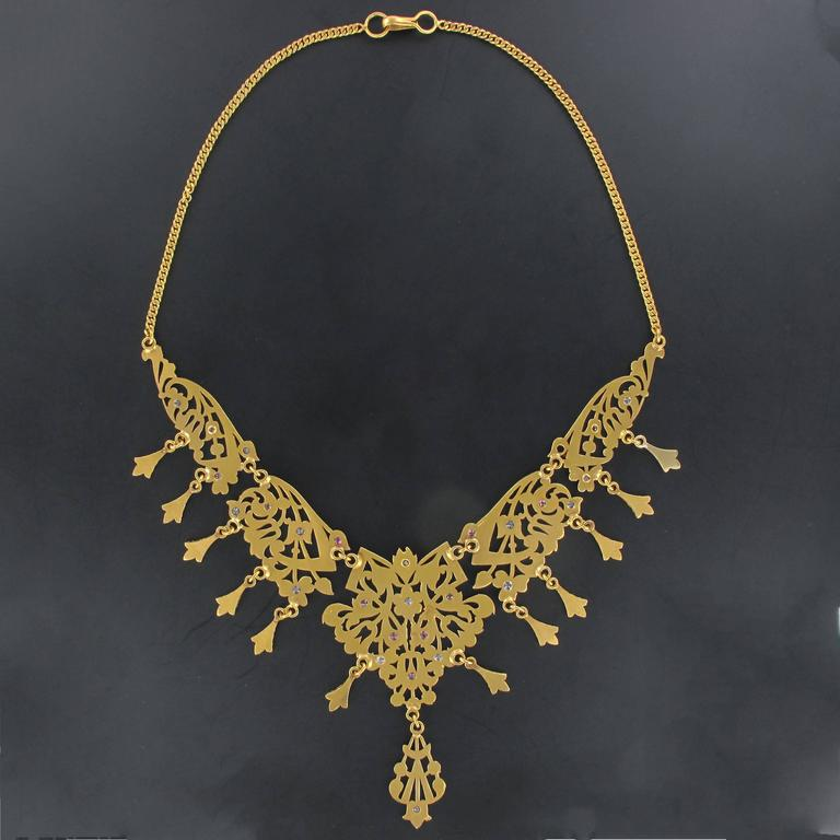 1970s Oriental Yellow Gold Necklace In As New Condition For Sale In Poitiers, FR