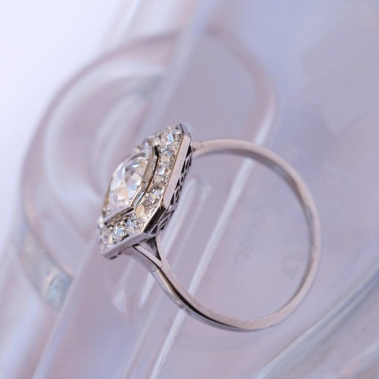 Art Deco French 2.60 Carat Diamond Platinum Ring For Sale 2