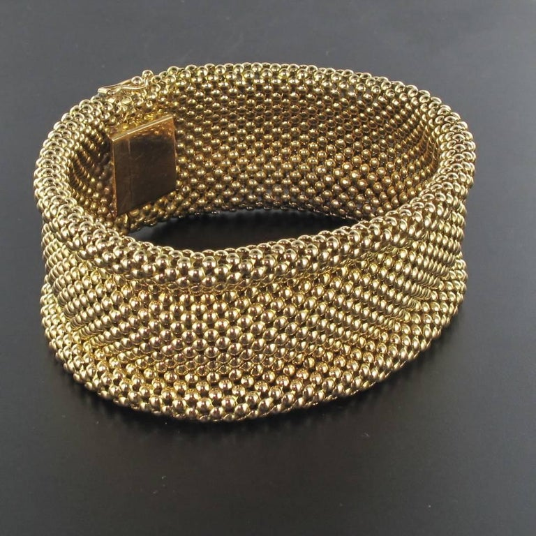 1960s French 18 Carat Yellow Gold Flexible Bracelet For Sale 2
