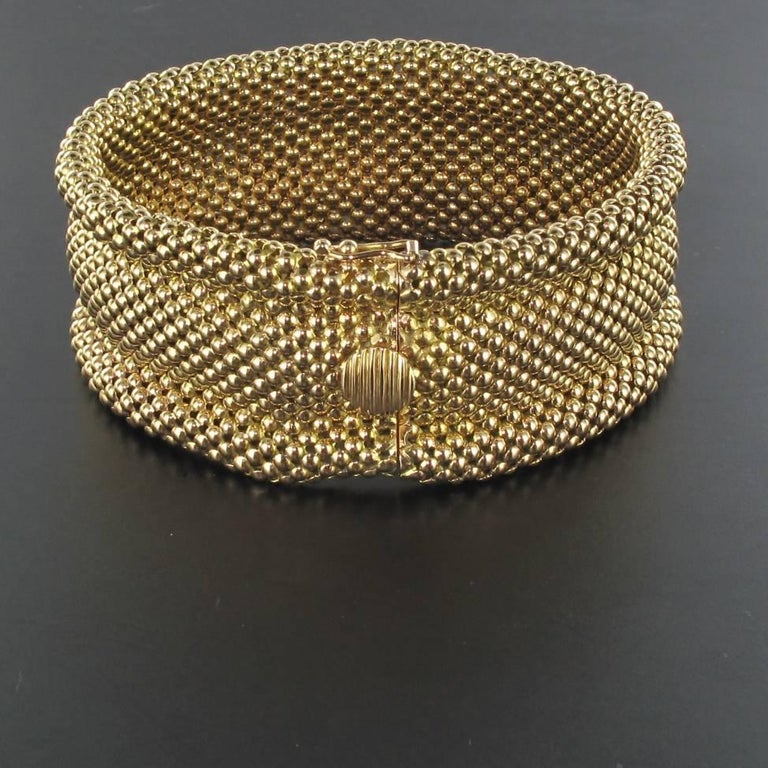 1960s French 18 Carat Yellow Gold Flexible Bracelet For Sale 1