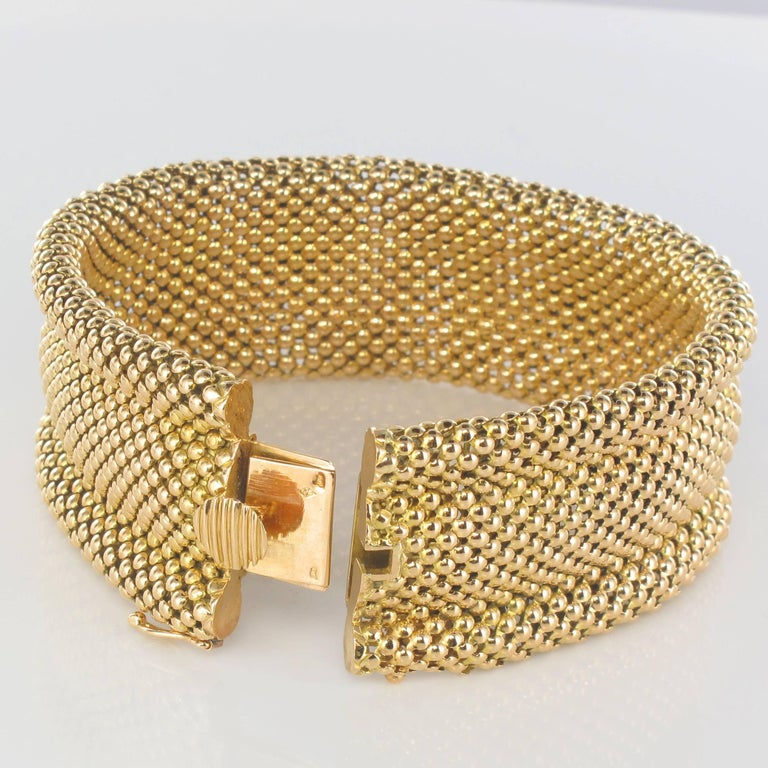 Retro 1960s French 18 Carat Yellow Gold Flexible Bracelet For Sale