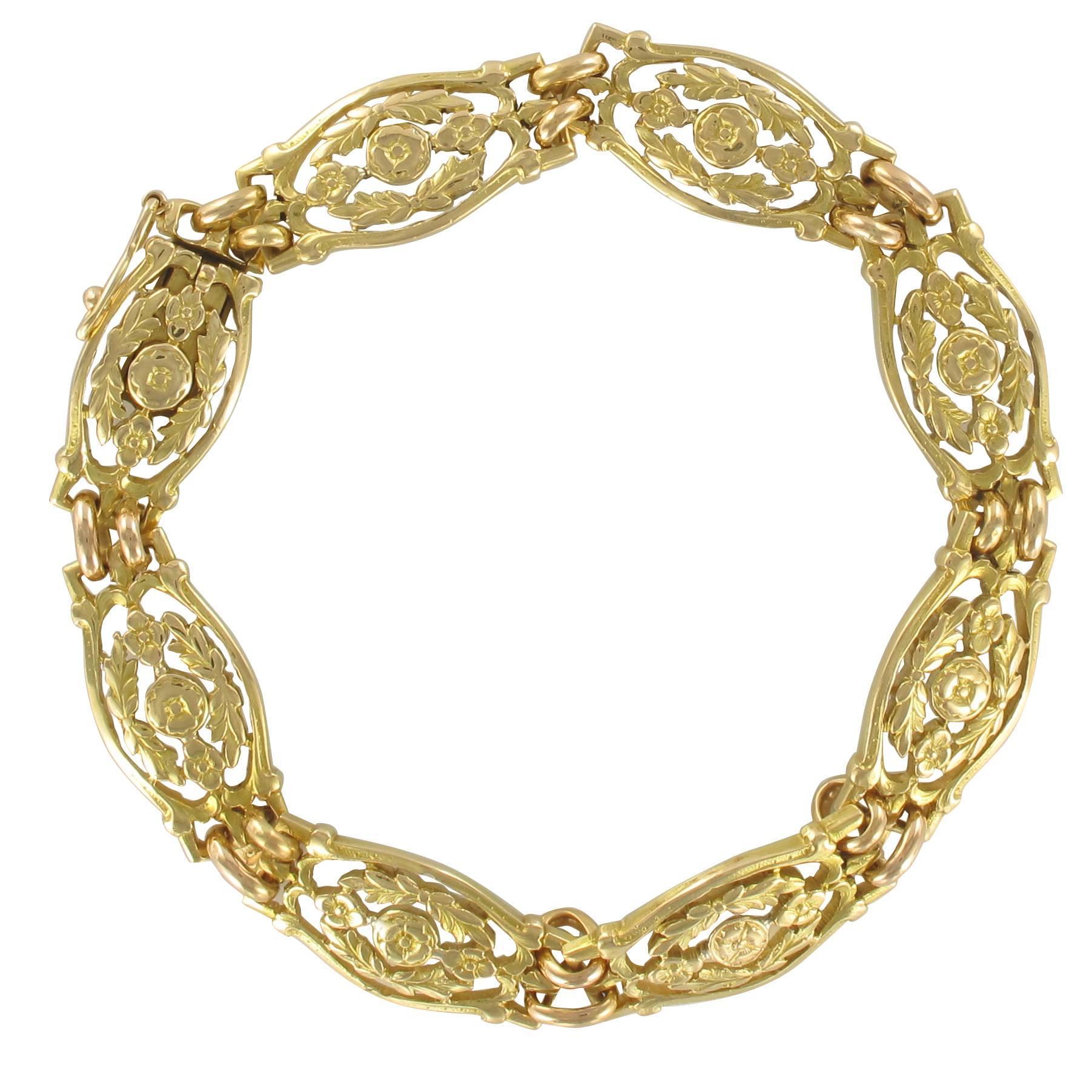 French 1900s Belle Époque 18 Karat Yellow Gold Bracelet with Floral Motifs