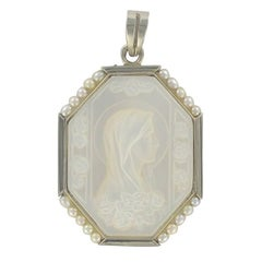 French 1900s Antique Virgin Pearl Mother of Pearl Medal Pendant