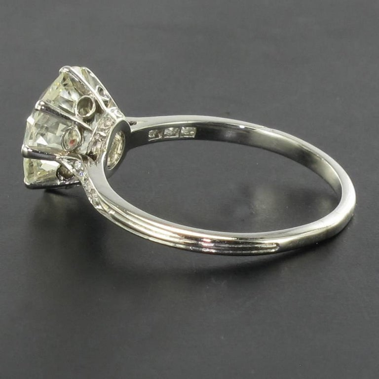 French 1920s 2.45 Carat Brilliant Cut Diamond Solitaire Platinum Ring For Sale 6