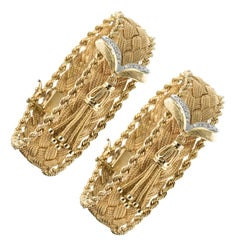1960s Retro Yellow Gold Braids Diamonds Pair of Bracelets