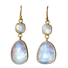 Baume Creation New Moonstones Yellow Gold Dangle Earrings