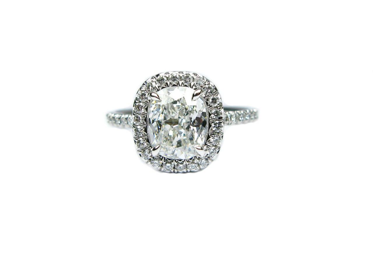 1.12 Carat Cushion Cut Diamond Platinum Ring For Sale