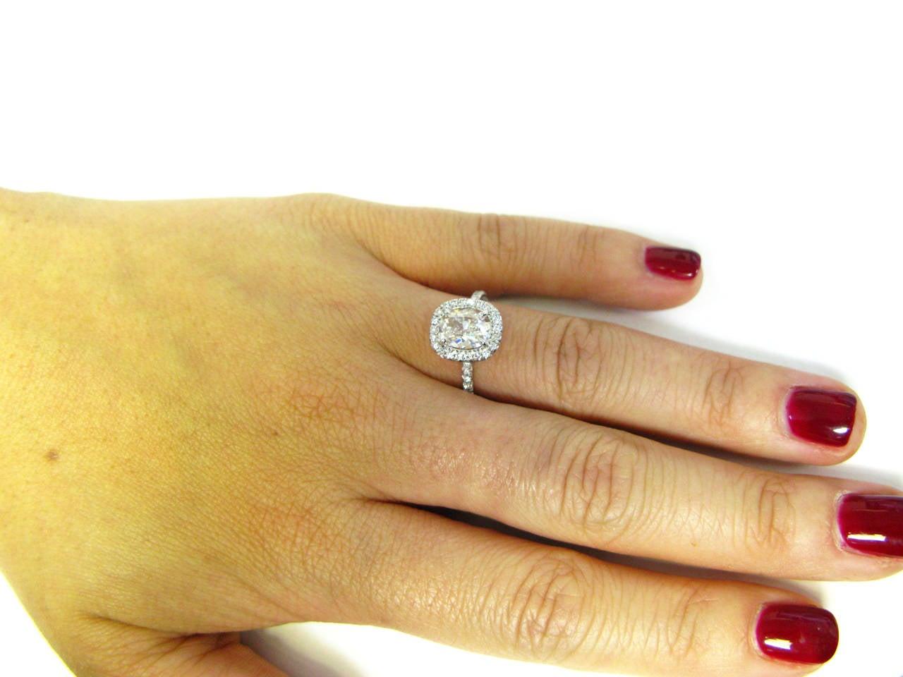 Women's 1.12 Carat Cushion Cut Diamond Platinum Ring For Sale