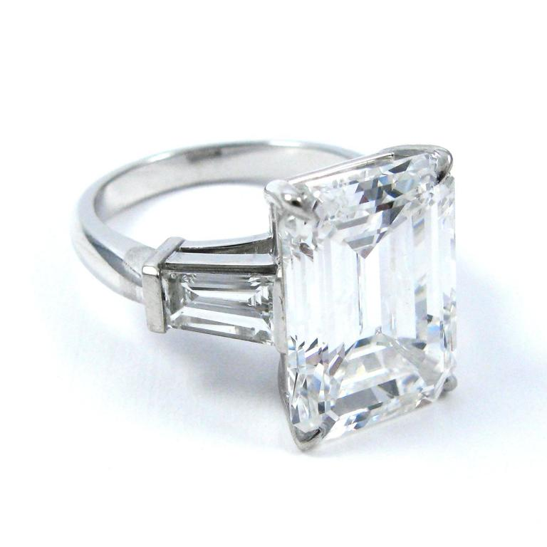 10.01 Carat Emerald Cut Diamond Platinum Classic Ring GIA For Sale 4