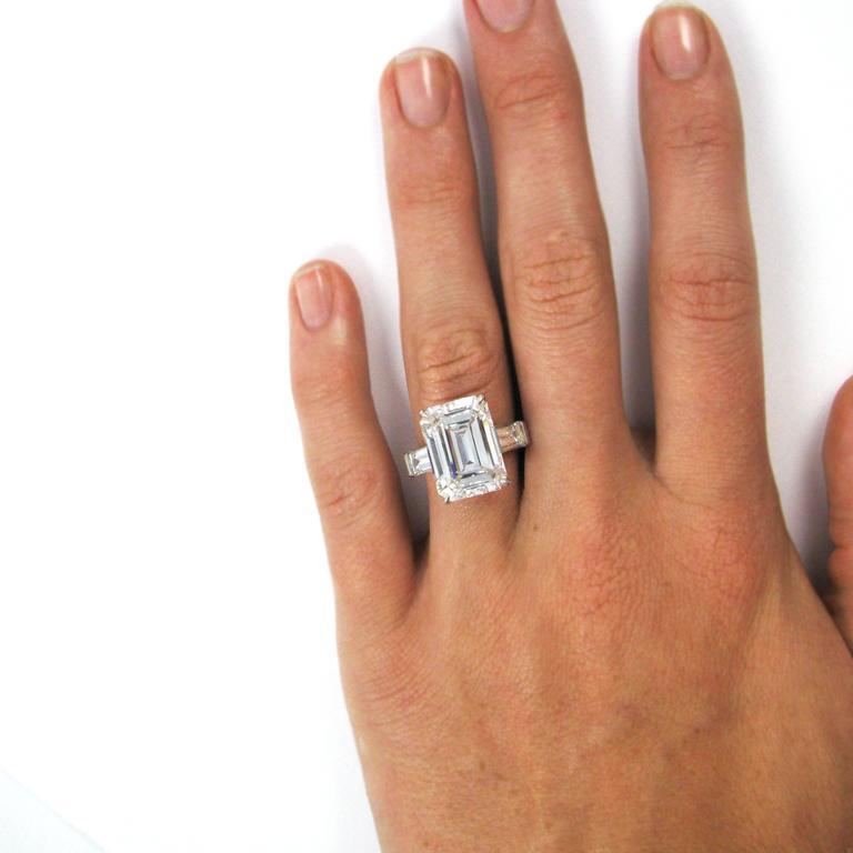 10.01 Carat Emerald Cut Diamond Platinum Classic Ring GIA For Sale 3