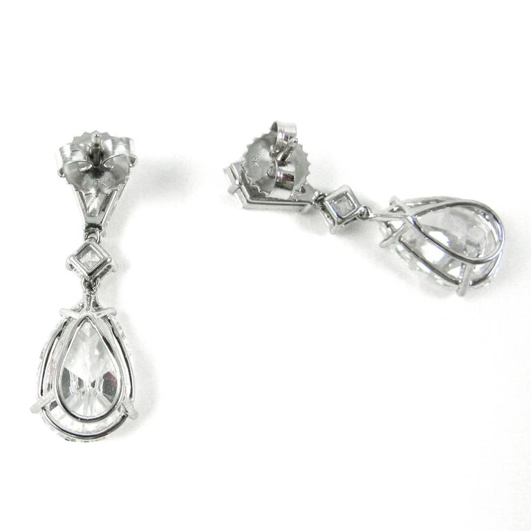 GIA Certified 5 Carat Pear Shape Diamond Drop Earrings In New Condition For Sale In New York, NY