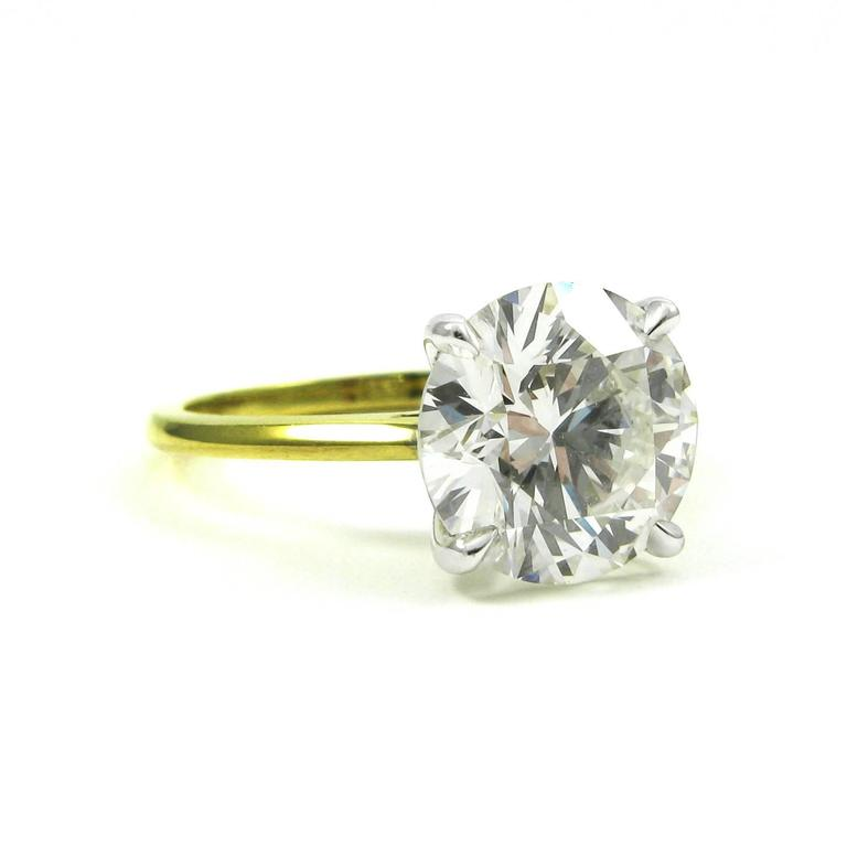 GIA Certified 3.18 Carat Diamond and Yellow Gold Solitaire Engagement Ring 3