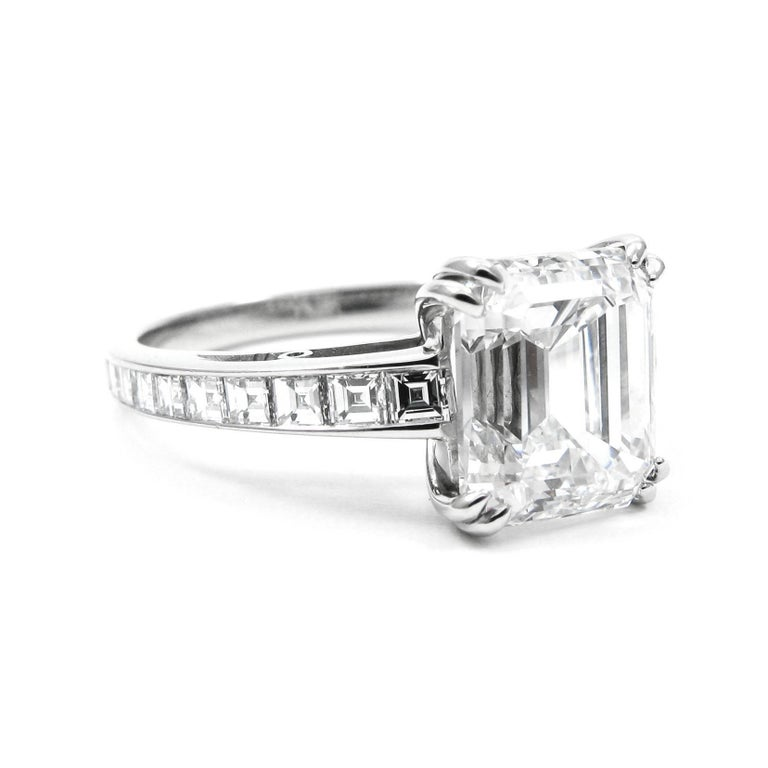 J. Birnbach GIA Certified 3.02 Carat Emerald Cut Diamond Ring In Excellent Condition For Sale In New York, NY