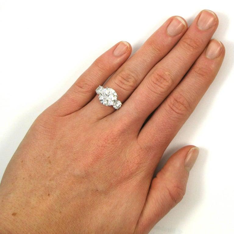 5.17 Carat Total Round Brilliant Cut Diamond Three-Stone Platinum Ring GIA For Sale 1
