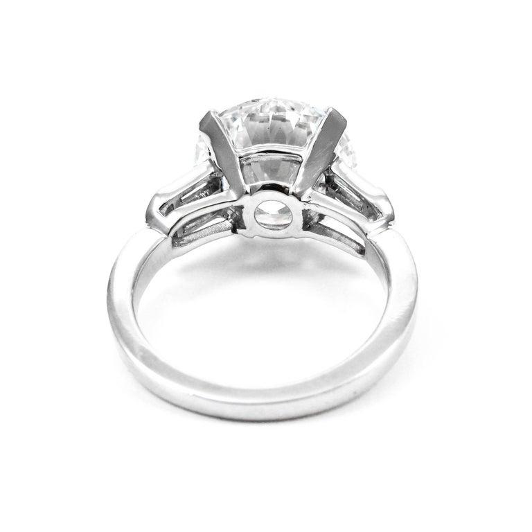 Women's or Men's GIA Certified 7.10 Carat Triple X HVS1 Round Brilliant Cut Diamond Platinum Ring For Sale