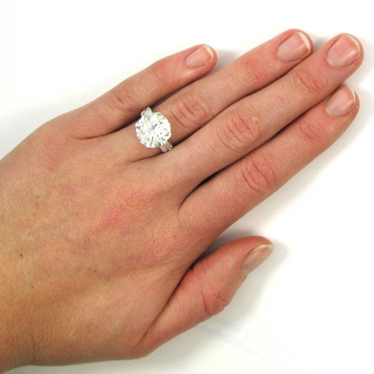 GIA Certified 7.10 Carat Triple X HVS1 Round Brilliant Cut Diamond Platinum Ring For Sale 1