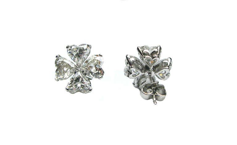 6.10ctw Heart Shaped Cluster Diamond Earrings In New Condition For Sale In New York, NY