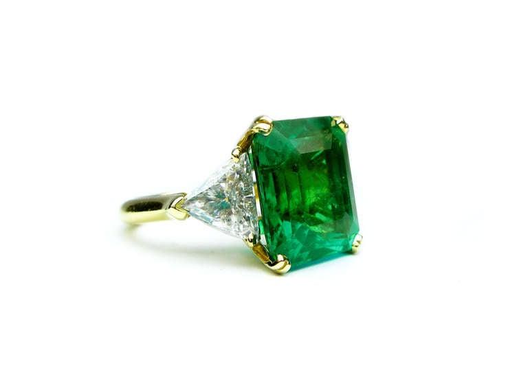 11.92 Carat Emerald and Diamond Ring 2