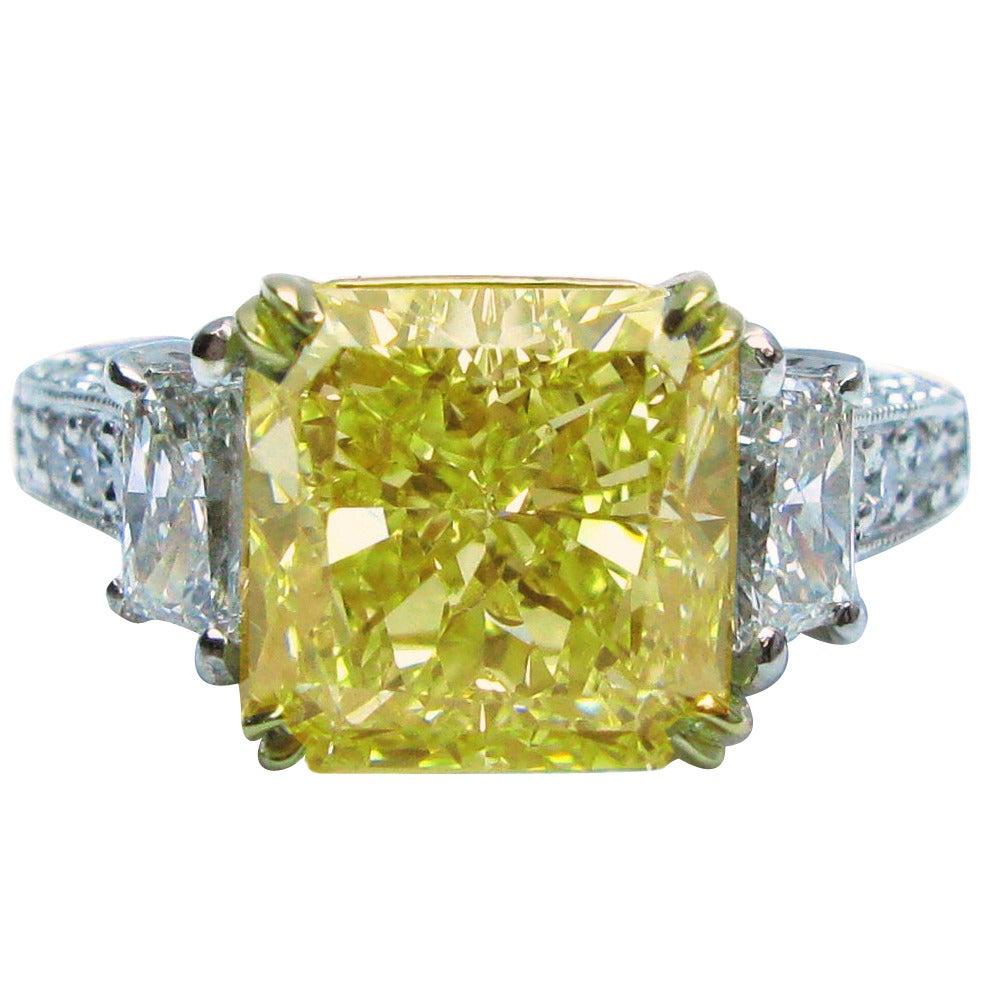 4.55 Carat GIA Cert Fancy Yellow Radiant Diamond Gold Platinum Ring