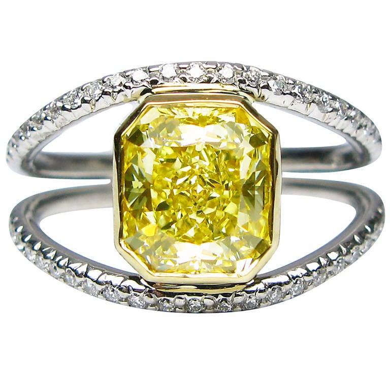 GIA Fancy Yellow Radiant Diamond Gold Ring
