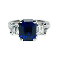 3.93 Carat certified Blue Sapphire and Diamond Ring