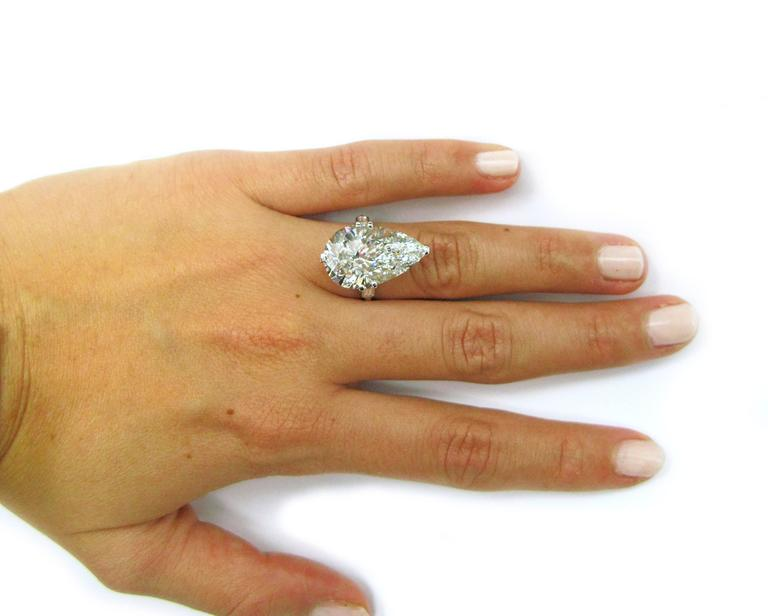 Cartier GIA Cert 10.02 Carat Pear shaped Diamond platinum Ring For Sale 5