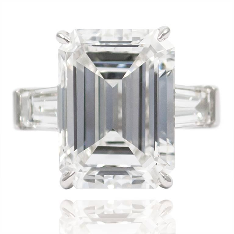 10.01 Carat Emerald Cut Diamond Platinum Classic Ring GIA In Excellent Condition For Sale In New York, NY