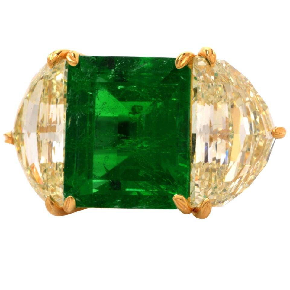 Impressive Emerald Diamond Gold Platinum Cocktail Ring