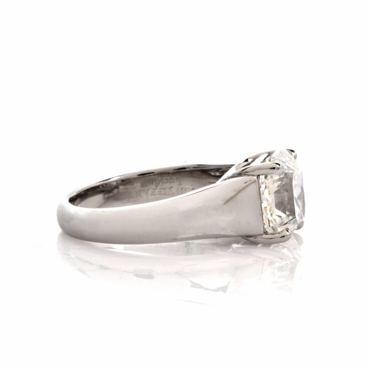 Modern Tiffany & Co. 4.01 Carat G-VS1 Diamond Platinum  Ring For Sale