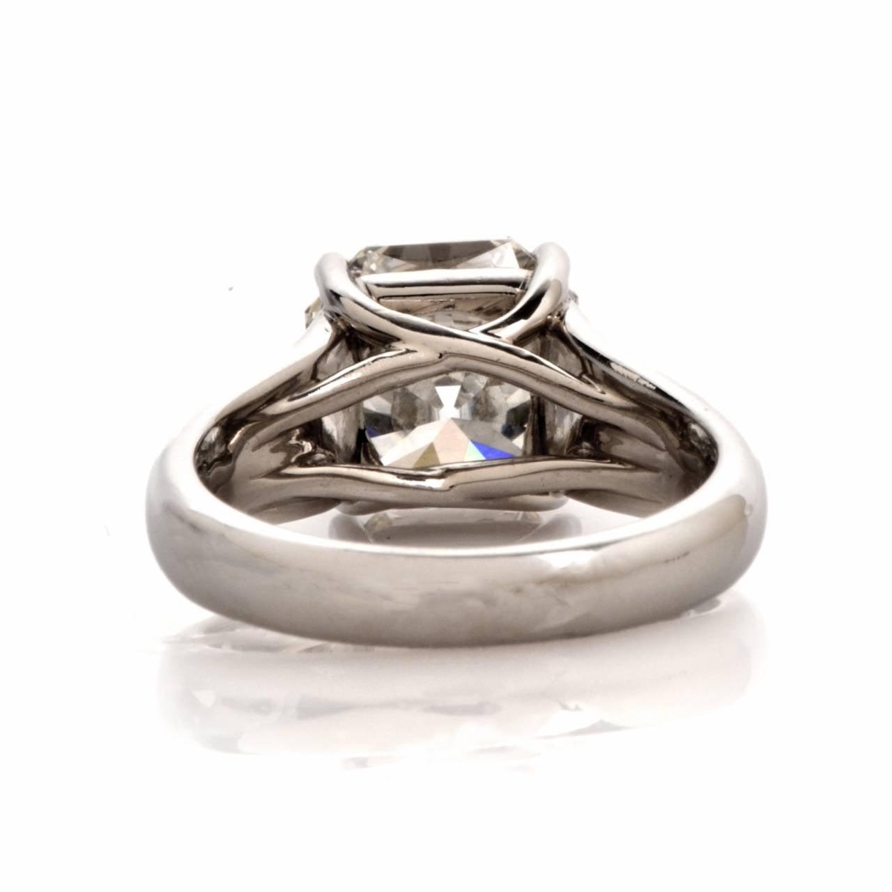 Tiffany & Co. 4.01 Carat G-VS1 Diamond Platinum  Ring 4
