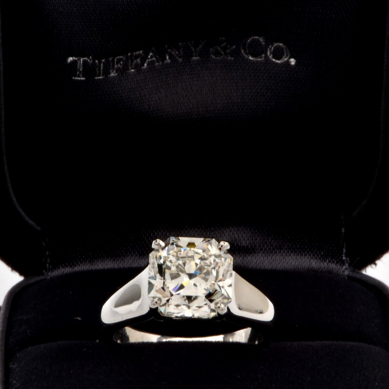 Tiffany & Co. 4.01 Carat G-VS1 Diamond Platinum  Ring 8