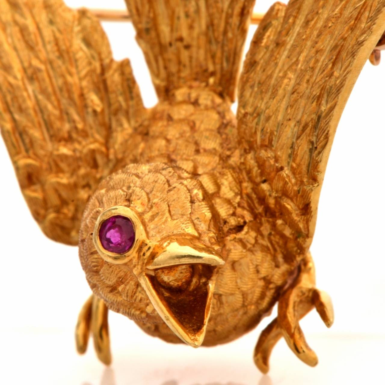 Cellino Ruby Textured Gold Bird Brooch 2