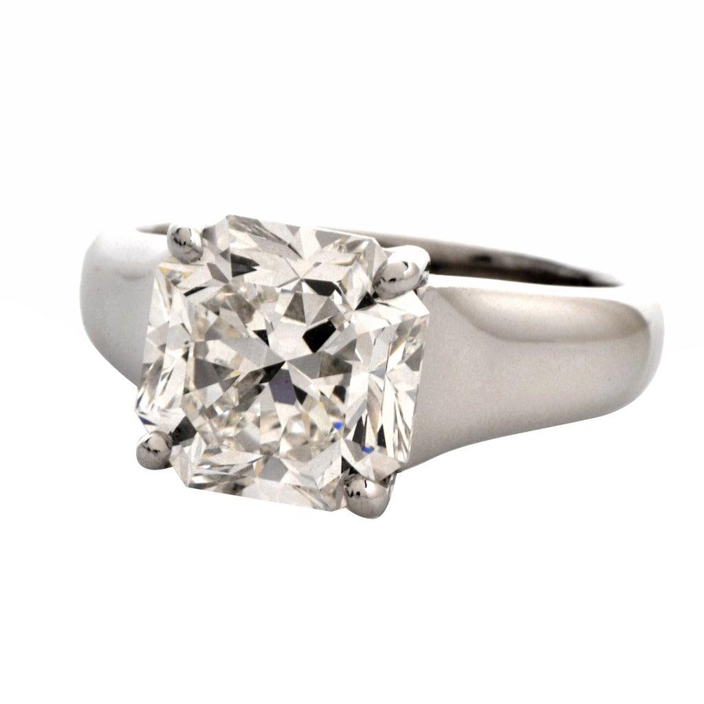 Tiffany & Co. 4.01 Carat G-VS1 Diamond Platinum  Ring