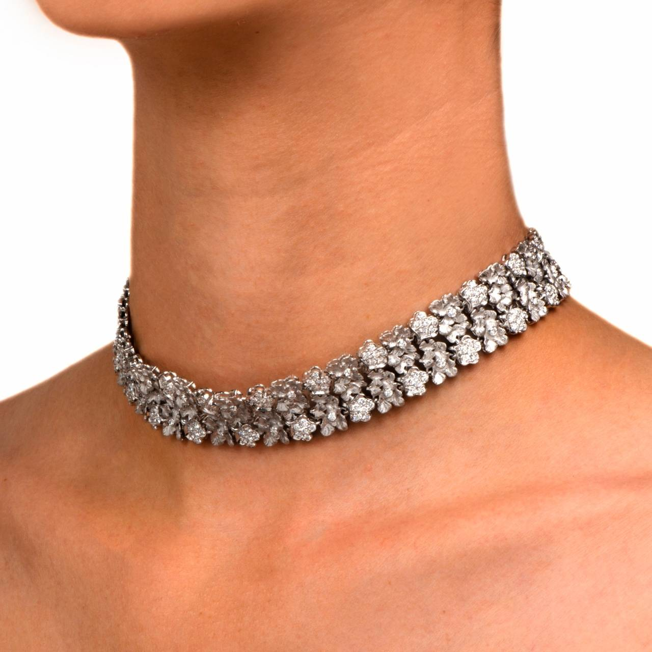 Single Diamond Choker Necklace