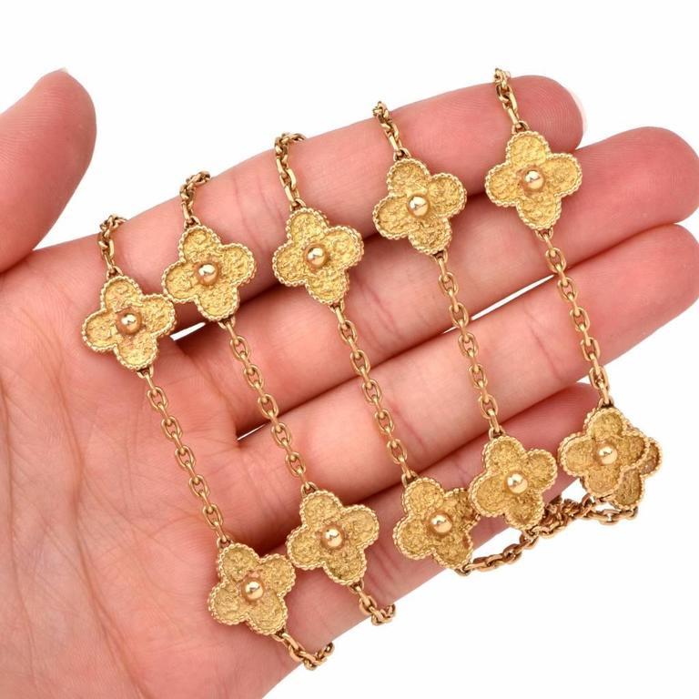 Van Cleef & Arpels  Vintage Alhambra 20 Motif 32 Inch Gold Necklace For Sale 1