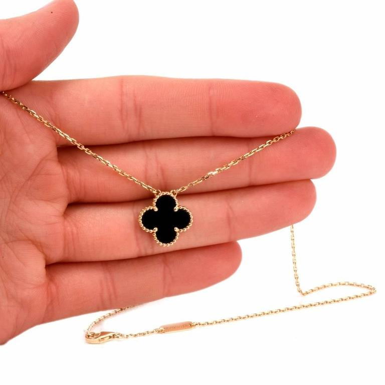 Van Cleef And Arpels Alhambra Onyx Gold Clover Pendant