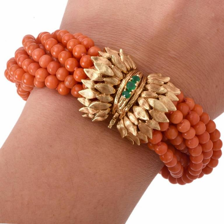 Multi-Strand Coral Bead Emerald Yellow Gold Bracelet In Excellent Condition For Sale In Miami, FL