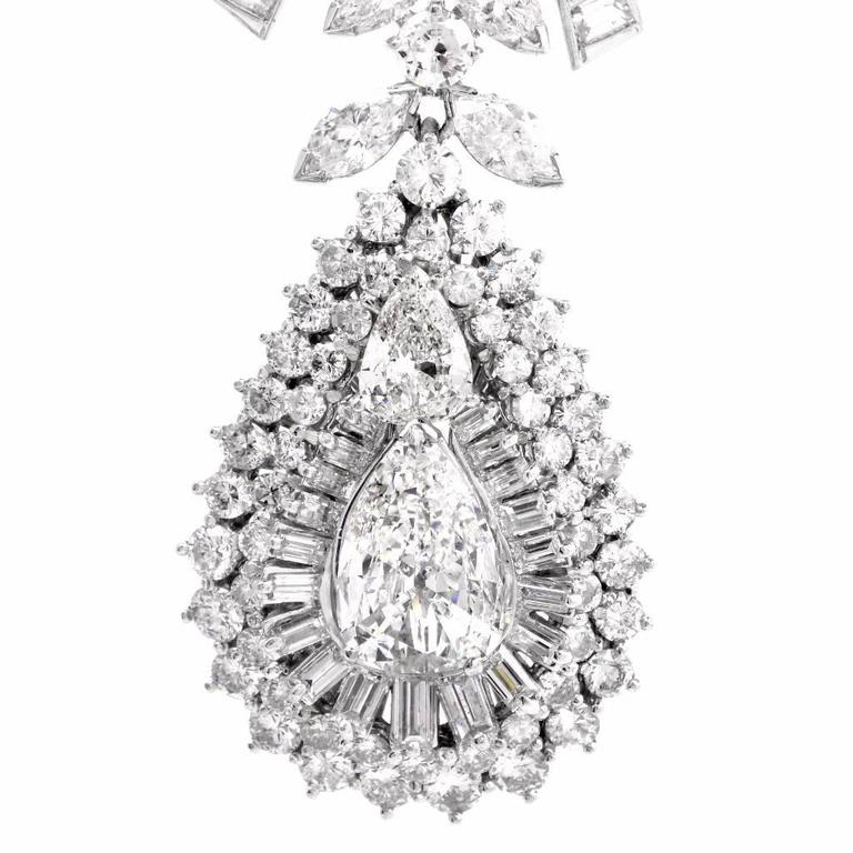 Celebrity 33.01 Carat Baguette Pear Diamond Platinum Drop Necklace For Sale 3