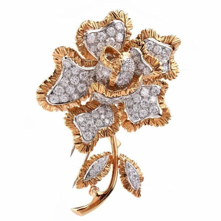 Vintage Sparkling 7.84 Carat Diamond Flower 18 Karat Gold Brooch Pin