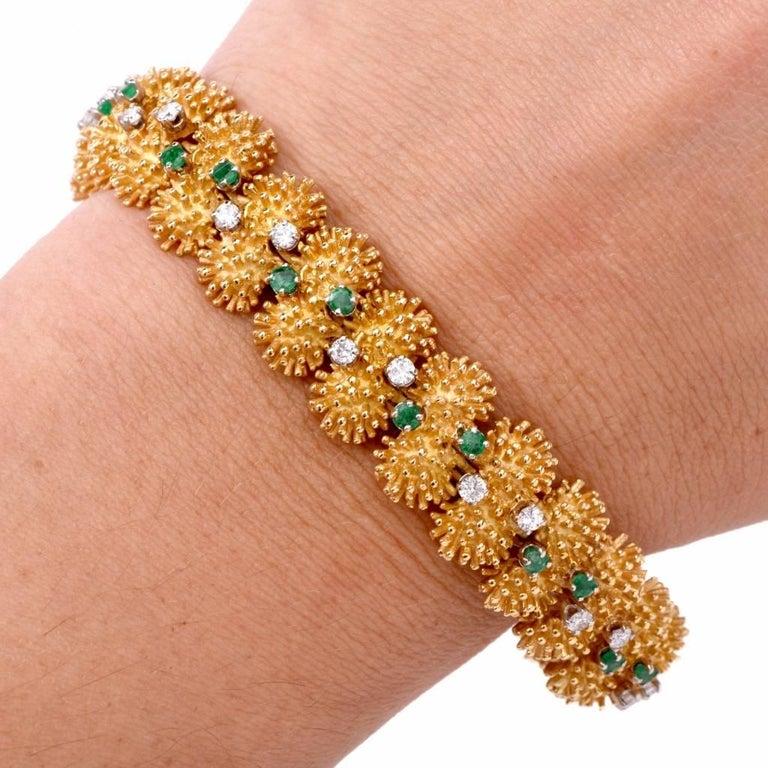 Vintage 1960s Diamond Emerald Gold Bracelet In Excellent Condition For Sale In Miami, FL